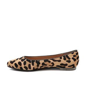 """Me Too """"Ashley"""" Leather Flats Size 6M"""
